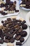 Το νόστιμο κακάο κατατάξεων τρουφών σοκολατών πραλίνας τρώει το πρόχειρο φαγητό, στοκ εικόνες με δικαίωμα ελεύθερης χρήσης