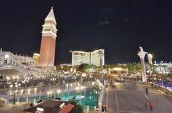Το ξενοδοχείο αντικατοπτρισμού και η χαρτοπαικτική λέσχη, ο Βενετός, πόλη, νύχτα, μητροπολιτική περιοχή, πύργος στοκ εικόνες