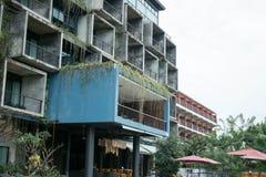 Το ξενοδοχείο είναι στη μέση της φύσης στοκ εικόνες με δικαίωμα ελεύθερης χρήσης