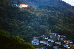 Το ξενοδοχείο στο βουνό στοκ φωτογραφία με δικαίωμα ελεύθερης χρήσης
