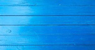 Το ξύλινο υπόβαθρο σύστασης, ανάβει την ξεπερασμένη αγροτική βαλανιδιά εξασθενισμένο ξύλινο λουστραρισμένο χρώμα που παρουσιάζει  στοκ φωτογραφία με δικαίωμα ελεύθερης χρήσης