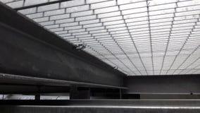 Το ξύσιμο γαλβανίζει το installstion τύπων Στοκ εικόνα με δικαίωμα ελεύθερης χρήσης