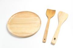 Το ξύλινος πιάτο ή ο δίσκος με το βατραχοπέδιλο ή το φτυάρι απομόνωσε το άσπρο υπόβαθρο στοκ φωτογραφία