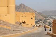 Το οδοιπορικό στο οχυρό Jaigarh στοκ εικόνα