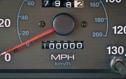 Το οδόμετρο χτυπά 100.000 μίλια στοκ φωτογραφίες με δικαίωμα ελεύθερης χρήσης
