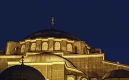 Το οθωμανικό μουσουλμανικό τέμενος τη νύχτα - μουσουλμανικό τέμενος Kilic Ali Pasa, Ιστανμπούλ, Τουρκία Στοκ εικόνα με δικαίωμα ελεύθερης χρήσης