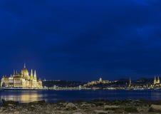 Το ουγγρικό Κοινοβούλιο στο nigth Στοκ φωτογραφία με δικαίωμα ελεύθερης χρήσης