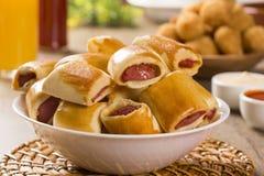 Το λουκάνικο έψησε τα πρόχειρα φαγητά Βραζιλιάνα πρόχειρα φαγητά Στοκ Φωτογραφία