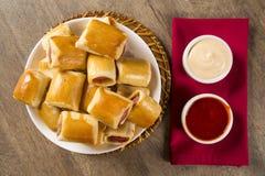 Το λουκάνικο έψησε τα πρόχειρα φαγητά Βραζιλιάνα πρόχειρα φαγητά Στοκ Φωτογραφίες