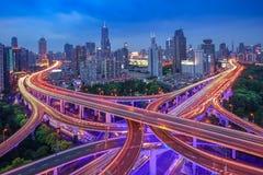 Το ουράνιο τόξο στην πόλη στοκ εικόνες με δικαίωμα ελεύθερης χρήσης