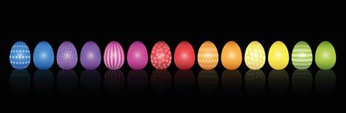 Το ουράνιο τόξο σχεδίων αυγών Πάσχας χρωμάτισε το Μαύρο διανυσματική απεικόνιση