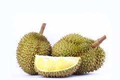 Το λουρί Durian mon είναι βασιλιάς durian φρούτων στα άσπρα τρόφιμα φρούτων υποβάθρου φρέσκα υγιή durian που απομονώνεται Στοκ Εικόνες