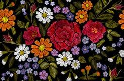 Το λουλούδι κεντητικής αυξήθηκε παπαρουνών μαργαριτών gerbera χορταριών αυτοκόλλητων ετικεττών μπαλωμάτων υφαντική διανυσματική α στοκ εικόνα