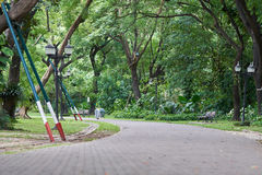 Το πάρκο πόλεων, το οποίο είναι κέντρο ικανότητας Ελεύθερος χρόνος υπάρχουν ίχνη για το τρέξιμο και την ανακύκλωση, και μεγάλα, π Στοκ φωτογραφία με δικαίωμα ελεύθερης χρήσης