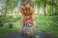 Το πάρκο Troon Fullarton και το αγόρι κάλεσαν τη γλυπτική Lachlan που τέθηκε μέσα στο πάρκο στοκ εικόνες