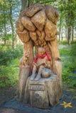 Το πάρκο Troon Fullarton και το αγόρι κάλεσαν τη γλυπτική Lachlan που τέθηκε μέσα στο πάρκο στοκ φωτογραφίες