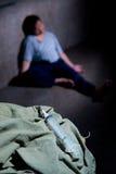 το πάτωμα φαρμάκων κατρακύλησε χρήστης Στοκ φωτογραφία με δικαίωμα ελεύθερης χρήσης