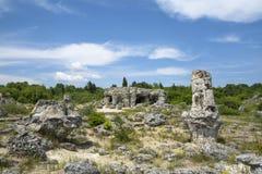 Το πέτρινο δάσος - Pobiti Kamani και Dikilitash, Βουλγαρία Στοκ εικόνα με δικαίωμα ελεύθερης χρήσης