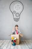 Το παιδί προσποιείται να είναι επιχειρηματίας Στοκ φωτογραφίες με δικαίωμα ελεύθερης χρήσης