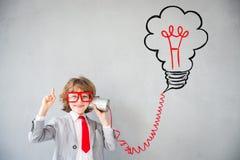 Το παιδί προσποιείται να είναι επιχειρηματίας Στοκ Εικόνα