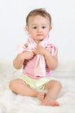 το παιδί 2 ντύνεται προσπαθ&e Στοκ Φωτογραφίες