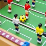 Το παιχνίδι ποδοσφαίρου επιτραπέζιου ποδοσφαίρου, κλείνει επάνω Στοκ Εικόνες