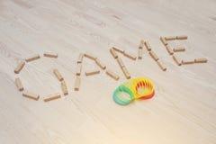 Το παιχνίδι λέξης των ξύλινων φραγμών στο παρκέ Στοκ εικόνα με δικαίωμα ελεύθερης χρήσης