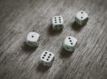 Το παιχνίδι χωρίζει σε τετράγωνα το υπόβαθρο Στοκ Εικόνες