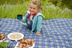 Το παιδί στη φύση Στοκ φωτογραφία με δικαίωμα ελεύθερης χρήσης