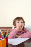 Το παιδί σχολείου έχει μια καλή ιδέα Στοκ Εικόνες
