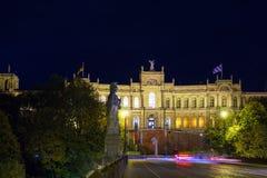 Το παλάτι 1874, κάθισμα Maximilianeum Landtag τη νύχτα, Munic Στοκ Εικόνες