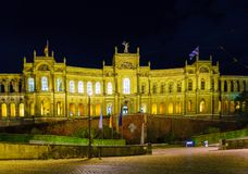Το παλάτι 1874, κάθισμα Maximilianeum Landtag τη νύχτα, Munic Στοκ Φωτογραφίες