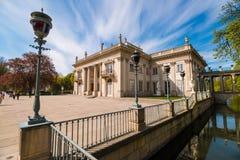 Το παλάτι στο νερό ή το παλάτι Lazienki στα βασιλικά λουτρά πάρκων Lazienki σταθμεύει, Βαρσοβία στοκ φωτογραφίες με δικαίωμα ελεύθερης χρήσης
