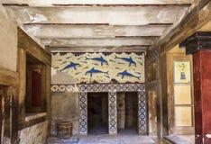 Το παλάτι της Κνωσού, νωπογραφία που απεικονίζει τα δελφίνια, άγνωστος καλλιτέχνης για 1800-1400 Π.Χ. Ηράκλειο, Κρήτη Στοκ Εικόνες