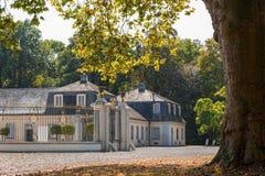 Το παλάτι Falkenlust τα παλάτια Falkenlust είναι ένα ιστορικό κτήριο σύνθετο στα HL Brà ¼, North Rhine-Westphalia στοκ εικόνες με δικαίωμα ελεύθερης χρήσης