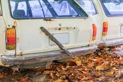 Το παλαιό αυτοκίνητο με το διάστημα αντιγράφων προσθέτει το κείμενο Στοκ Φωτογραφία