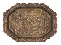 Το παλαιό όμορφο μέταλλο χρωμάτισε το πιάτο που απομονώθηκε στο άσπρο υπόβαθρο αναδρομικό ύφος Τρύγος στοκ εικόνα με δικαίωμα ελεύθερης χρήσης