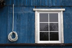 Το παράθυρο και το καλώδιο Στοκ Εικόνες
