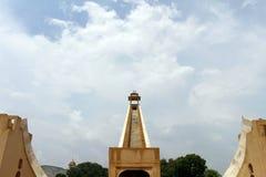 Το παρατηρητήριο Mantar Jantar στο Jaipur, αποτελείται από το αρχιτεκτονικό α στοκ εικόνες με δικαίωμα ελεύθερης χρήσης