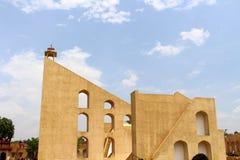 Το παρατηρητήριο Mantar Jantar στο Jaipur, αποτελείται από το αρχιτεκτονικό α στοκ εικόνες
