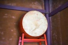 Το παραδοσιακό τύμπανο για πολιτιστικό παρουσιάζει φεστιβάλ στοκ φωτογραφίες