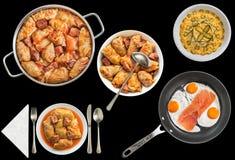 Το παστωμένο λάχανο γέμισε τους ρόλους με τα τηγανισμένα αυγά και τη σαλάτα Olivier που απομονώθηκε στο μαύρο υπόβαθρο Στοκ Εικόνες