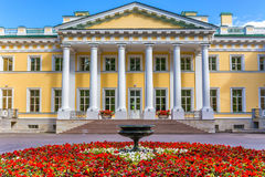 Το παλάτι Kamennoostrovsky στο νησί Kamenny στη Αγία Πετρούπολη Στοκ Φωτογραφίες