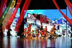 Το παλάτι Potala πριν από τα εορτασμός-μεγάλα σενάρια show† κλίμακας ο δρόμος legend† Στοκ Φωτογραφίες