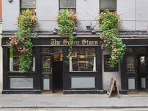 Το παλαιότερο μπαρ στο Λονδίνο στοκ εικόνες
