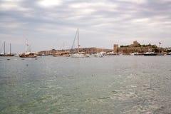 Το παλαιό ενισχυμένο κάστρο Ακτή και λιμάνι με τις βάρκες, άποψη του λιμένα Bodrum Kale, κάστρο Στοκ φωτογραφίες με δικαίωμα ελεύθερης χρήσης