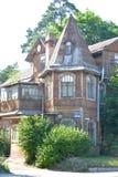 Το παλαιό ξύλινο κτήριο στο χωριό Lisy αριθ. Στοκ Φωτογραφίες