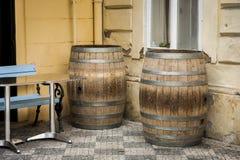 Το παλαιό δρύινο βαρέλι κρασιού Στοκ Εικόνες