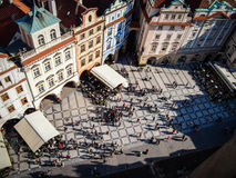 Το παλαιό τετράγωνο πόλεων στην Πράγα πυροβοληθείσα άνωθεν Στοκ φωτογραφία με δικαίωμα ελεύθερης χρήσης