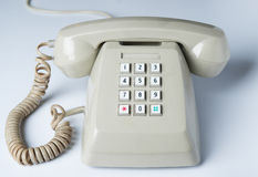 Το παλαιό τηλέφωνο στο λευκό Στοκ φωτογραφία με δικαίωμα ελεύθερης χρήσης